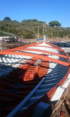 Riparazione scafi barche in legno